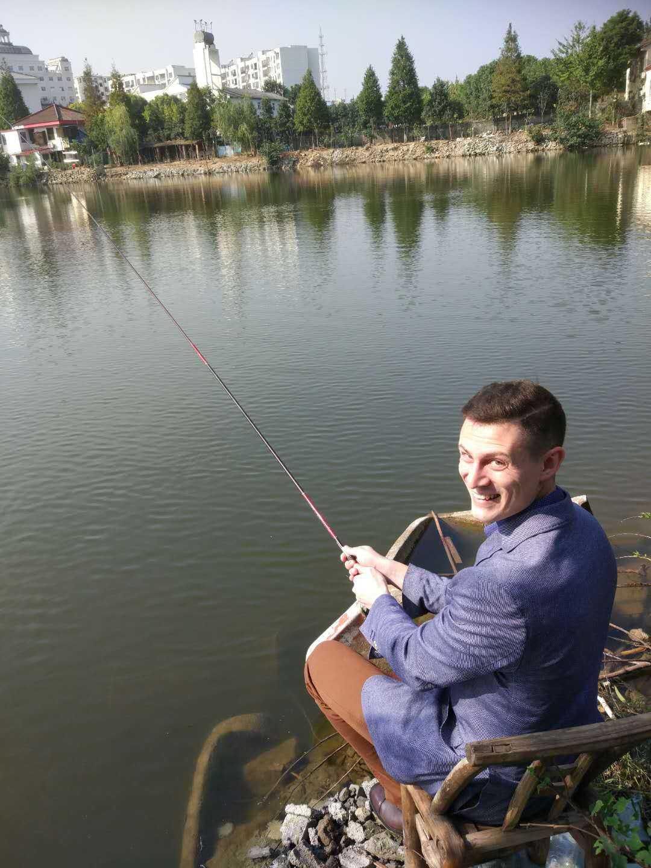 Китайский переводчик на рыбалке