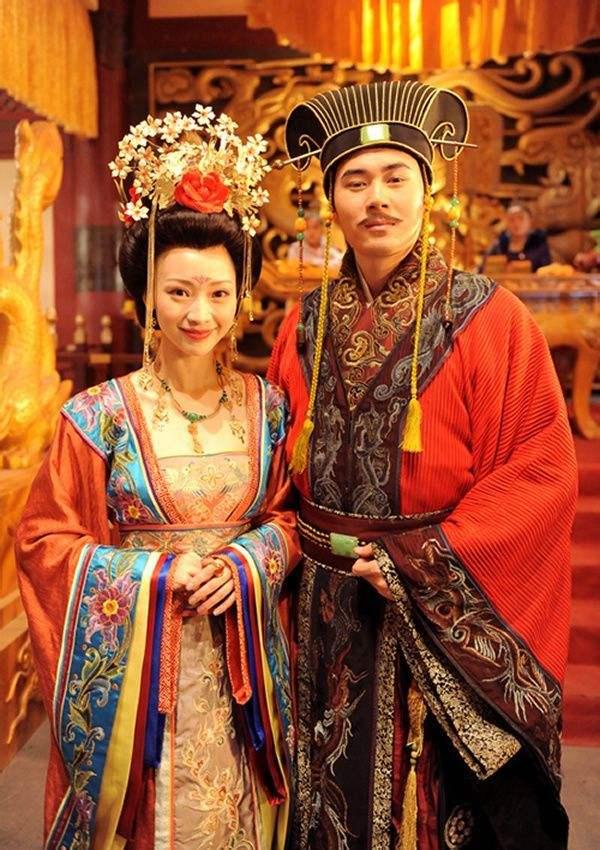 Китайская нацциональная одежда...династия Тан