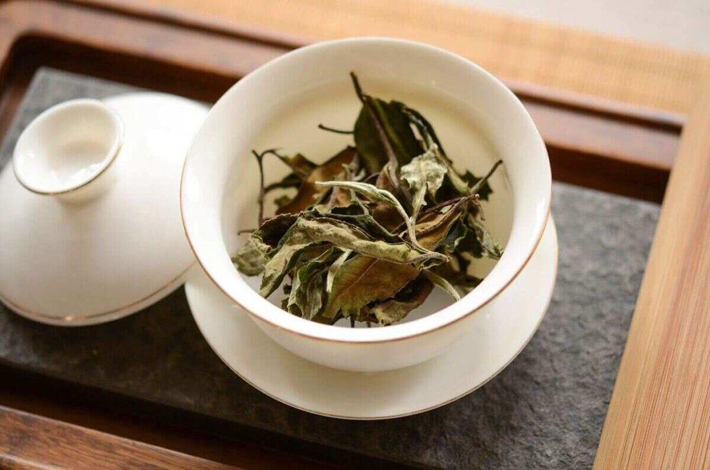 Лучшие китайские чаи: китайский чай «Шен пуэр Белый Дикий» 野生普洱白茶