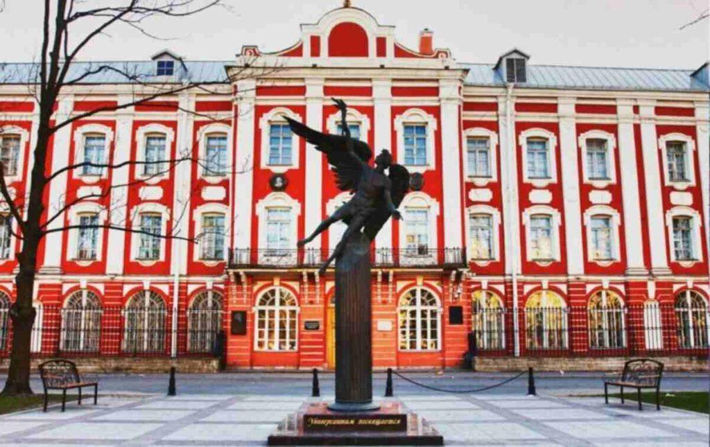 Университеты с китайским языком в России