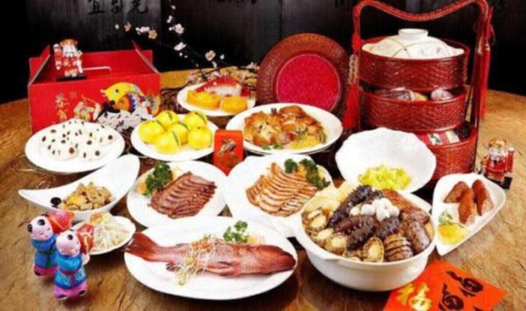 китайский новый год - праздничный стол